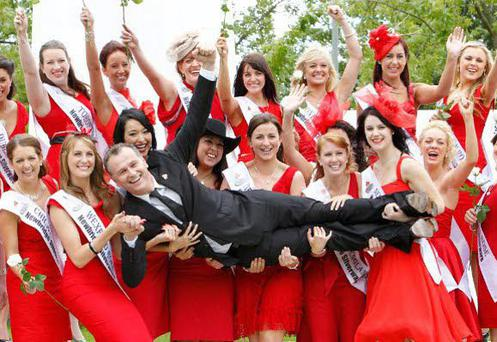 Presenter Daithi O'Se with )some of this years 32 Roses during their visit to RTE...KOBPIX..NO FEE