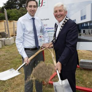 Minister for Health Simon Harris with Cllr Pat Vance, cathaoirleach of Wicklow County Council, at the turning of the sod on Bray Primary Care Centre.