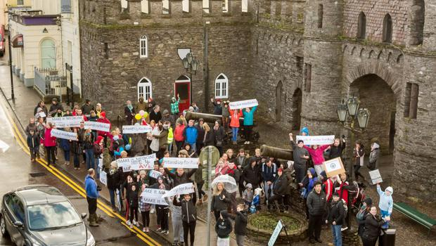 Over 100 supporters in Macroom turned out in solidarity during some heavy showers in support of Vera Twomey's walk from Mallow to the Daíl
