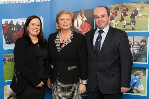 Louise Bourke, Freemount Macra, Avondhu, Cork; guest of honour, Minister of Children and Youth Affairs, Frances Fitzgerald TD; and Macra na Feirme National President, Kieran O'Dowd at the event to recognise outstanding young leaders in the rural youth organisation, Macra na Feirme.