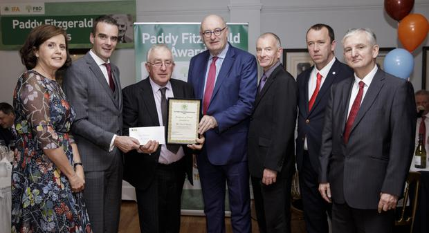 Receiving his award at the 2018 Paddy Fitzgerald Awards is Dan O'Riordan from Millstreet who was the Cork Central IFA representative. Left to right; Fiona Muldoon, CEO FBD Insurance, IFA President Joe Healy, Dan O'Riordan {Recipient}, EU Commissioner Phil Hogan, Cork Central IFA County Chairman Harold Kingston, Martin Stapleton, IFA Farm Business Chairman, Jeff Bray, FBD