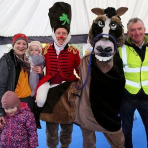 Carol, Doireann and Méabh O'Keeffe, Whitechurch and Mallow Chamber president Pat Hayes with Damian and Shamrock the Horse at Mallow Castle during the 2018 Racing Home for Easter Festival. Photo by Sheila Fitzgerald