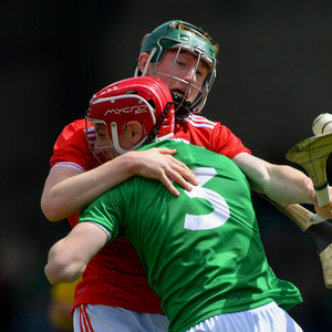 Jack Cahalane of Cork in action against Michael Keane of Limerick during the Electric Ireland Munster Minor Hurling Championship match between Limerick and Cork at the Gaelic Grounds. Photo by Piaras Ó Mídheach/Sportsfile