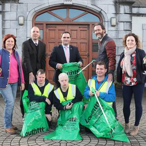 Ronan Cromwell, Paul Patterson and Ciaran Traynor Laura Butterly and Marese Carrie from the Darro Centre at a photocall with Louth Co Co's Barry Eaton, Cllr. Kevin Callan and Gary Byrne to announce that some of the centre's users will be participating in the Drogheda Tidy Towns effort.