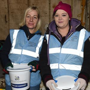Jackie McKenna and Kate Mullen collecting on behalf of the Drogheda Homeless Aid. Photo:Colin Bell/pressphotos.ie