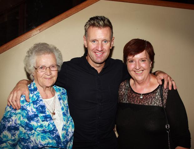 Singer Mike Denver with Maureen Quinn and Imelda Quinn at his concert in the Amber Springs Hotel in aid of Oulart-The Ballagh GAA Club