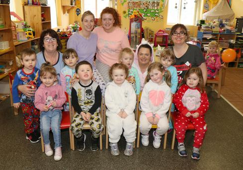 Children at Templeshannon Community Childcare Lollipops Room Pyjama Party with Pre-school leaders, Catherine Dempsey, Jackie O'Brien, Lucy Lawton, Rachel Canavan and Carrie Byrne