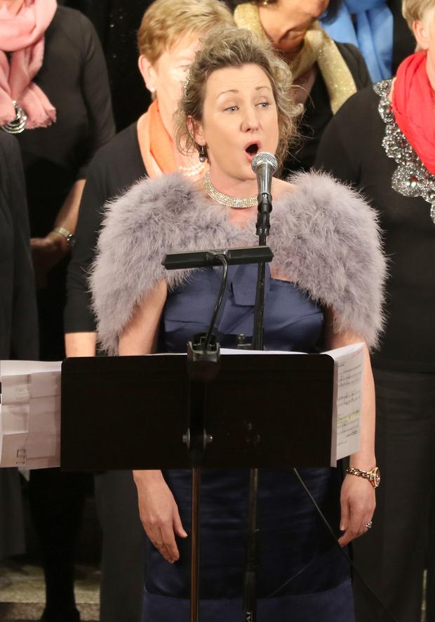 Aileen Donohoe performing