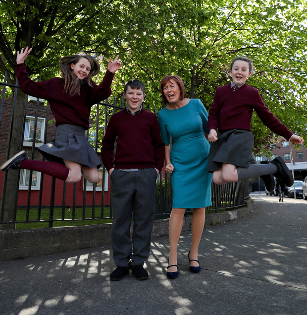 Pictured with Yvonne Harris, head of customer Operations with Irish Water are students from Ballaghkeen National School