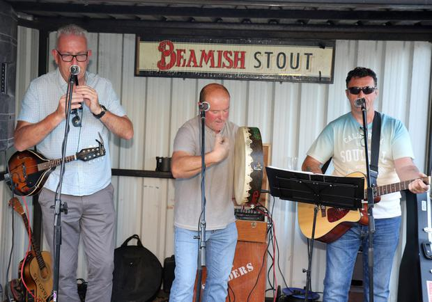 Reilly's Men performing in Doyle's, The Duffry.