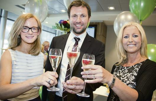 Jochen Felsberger sampling the new lounge with Kate Flood, DAA Value Added Services Manager and Ruth Thewlis, DAA Premier Services Manager.