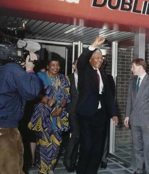 Nelson Mandela arriving at Dublin Airport on July 1, 1990, to receive the Freedom of Dublin.