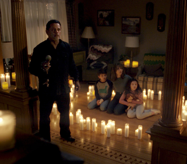 Raymond Cruz as Rafael Olvera, Roman Christou as Chris, Linda Cardellini as Anna Tate-Garcia and Jaynee Lynne Kinchen as Samantha in The Curse Of La Llorona