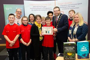 Maura Cassidy, DAA, the Mayor of Fingal Anthony Lavin and Helen O'Donnell, Fingal Libraries with the winning team from St Marys NS; Danny Dunne, Alannah Rock, Scott Thomas, Liam Tallon, Senyo Clarke and Evan Boylan at the Battle of the Book final