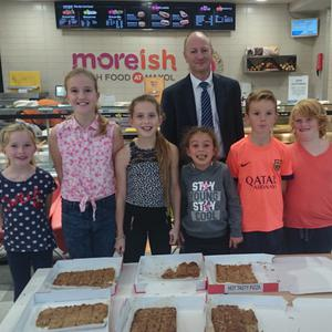 Pictured at the recent Kater4Kidz event at Moreish Donabate were Grace Walsh, Emma Walsh, Molly Hand, Eliza Walsh, Aidan Walsh, Lua Hand with Maxol Donabate licensee Ger Ralph