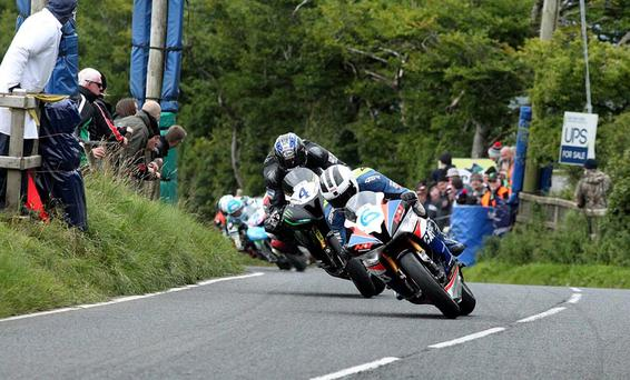 William Dunlop leads an out of shape Ian Hutchinson and an incredible seven bikes during the epic 600 race at the Ulster Grand Prix in 2016, and William will be hoping for more success this year. Photo: Jack Corry