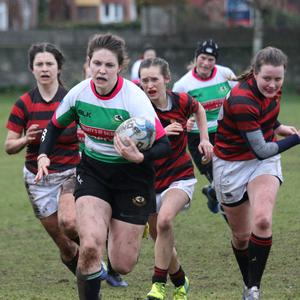 Dearbhla Sheridan on her way to scoring Balbriggan ladies' first try during their 21-0 victory over Dublin University. Picture: Caroline McFadden