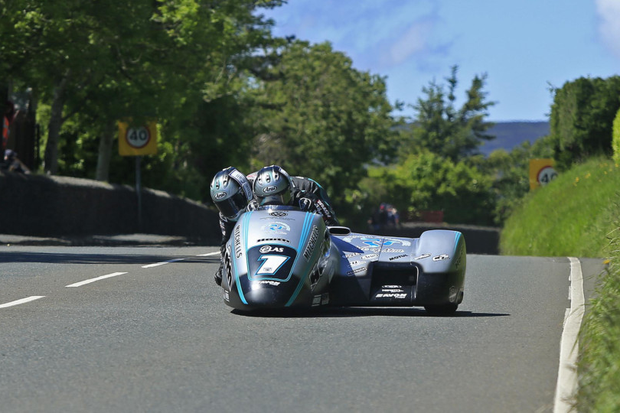 Birchall brothers make it a legend-matching ten wins at TT races
