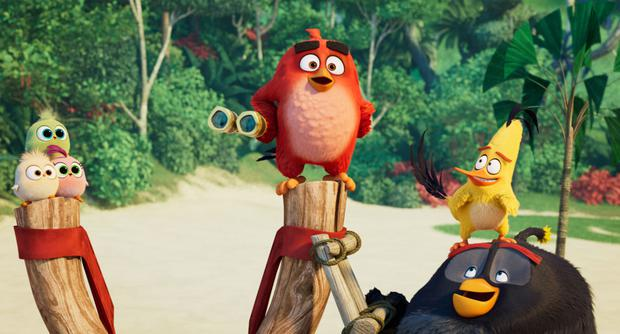 Red (voiced by Jason Sudeikis), Chuck (Josh Gad) and Bomb (Danny McBride) in The Angry Birds Movie 2