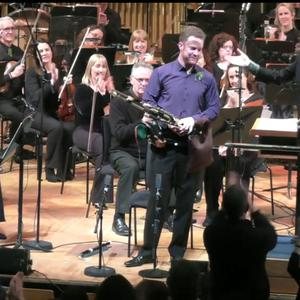 Uilleann piper Mark Redmond was given a prolonged standing ovation at the NCH on Friday night.