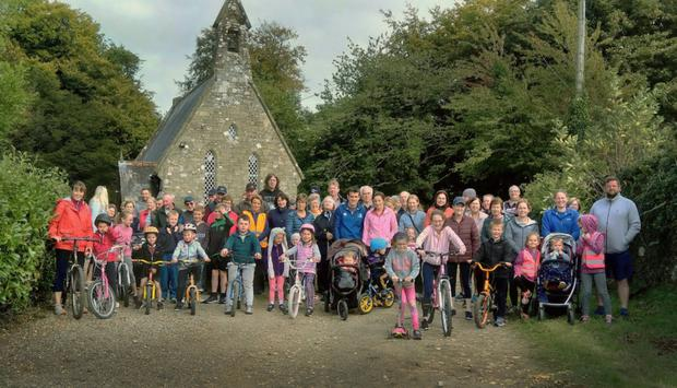 The large crowd taking part in the Ballymore Church fundraising walk