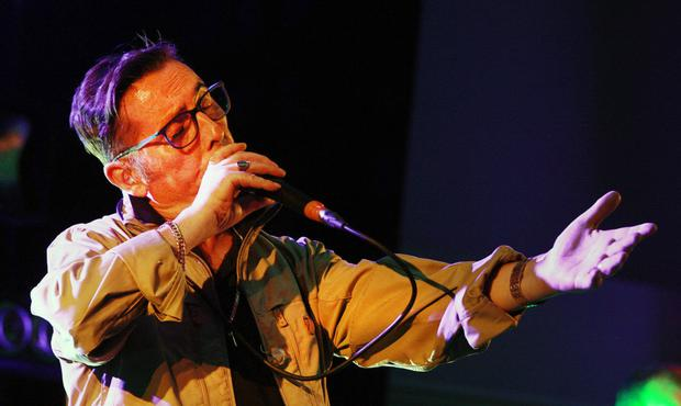 Aslan's Christy Dignam on stage at the Amber Springs Hotel