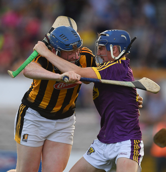 Shane Reck making life difficult for Kilkenny's John Donnelly