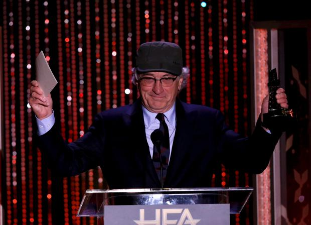 Actor Robert De Niro accepts the Hollywood Career Achievement Award at the Hollywood Film Awards in Beverly Hills, California November 1, 2015. REUTERS/Mario Anzuoni (TPX IMAGES OF THE DAY)