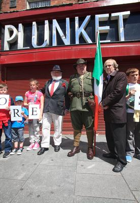 Proinsias O Rathaille grandson of The O'Rahilly , Paul Calleary Dublin history group whose grandfather owned no 17 Moore St & James Connolly Heron great grandson of James Connolly