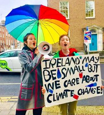 Protesters Flossie and Lucille