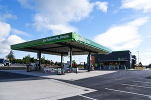 Applegreen is among the big retailers cutting fuel prices