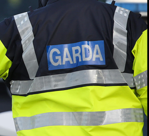 Note handed to shop worker warned not to contact gardai