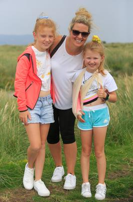 Melanie Dowling and daughters Amber (11) and Robyn (7)