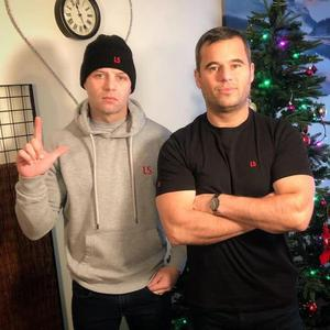Liverpool gangster Darren Gee (left) with podcaster               James English (right)