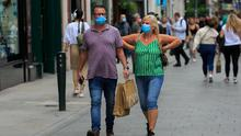 Shoppers wearing face masks on Grafton Street.