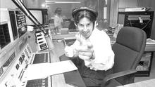Gerry Ryan on his 2FM Radio show in RTÉ Radio Studio in Donnybrook, 04/09/1989 (Part of the Independent Newspapers Ireland/NLI Collection).