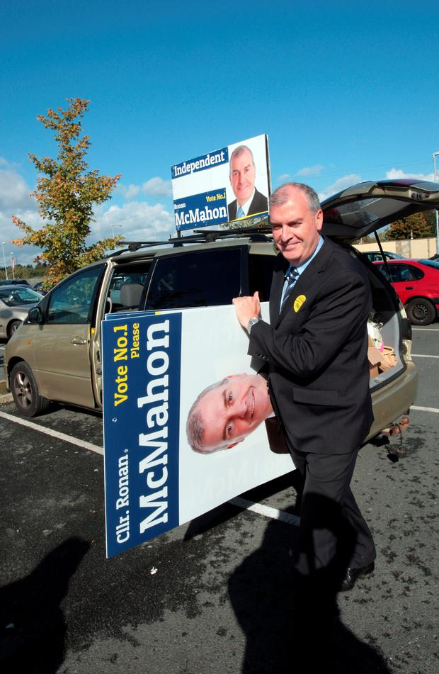 Independent Ronan Mc Mahon at Firhouse shopping centre pic Ray Cullen 10/10.2014