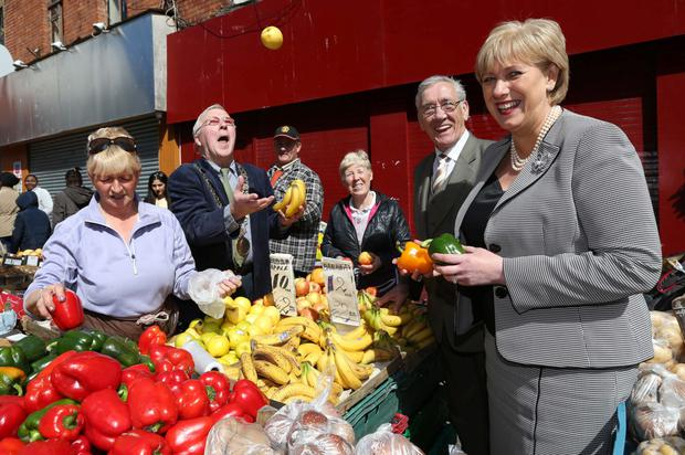 Minister for Arts, Heritage and the Gaeltacht, Heather Humphreys TD, pictured this afternoon with the Dublin Lord Mayor, Christy Burke, Ernie Beggs, Chairperson of Moore Street Traders and Margaret Buckley, and Marie Cullen who are Moore Street trader when she visited traders on Moore Street . It follows the recent Government announcement that it is acquiring the National Monument at 14-17 Moore Street, to safeguard the buildings and develop a Commemorative Centre at the site...Picture Colin Keegan, Collins Dublin.