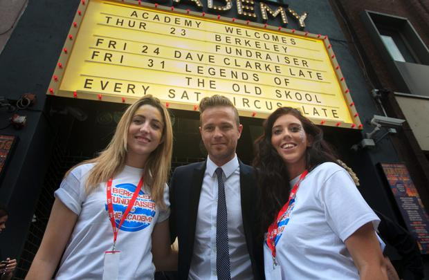 Nicky Byrne with (L to R) Kate Tunney & Chloe Smith (friends of students involved in the Berkeley collapse)