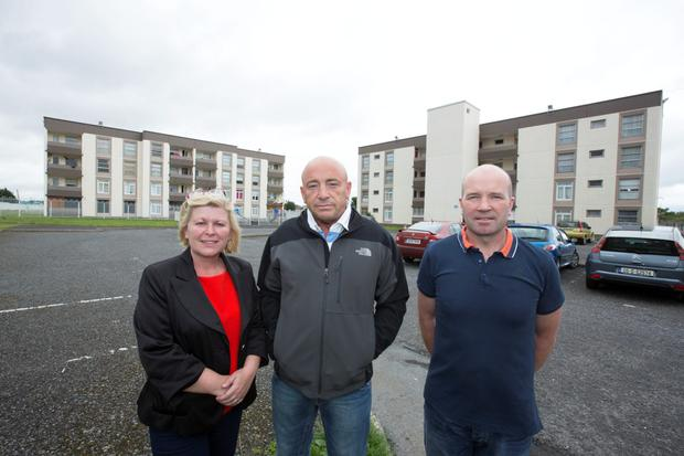 Cllr Denise Mitchell, SF with Cromcastle Residents Committee members, Martin Corbally and Gary Lester