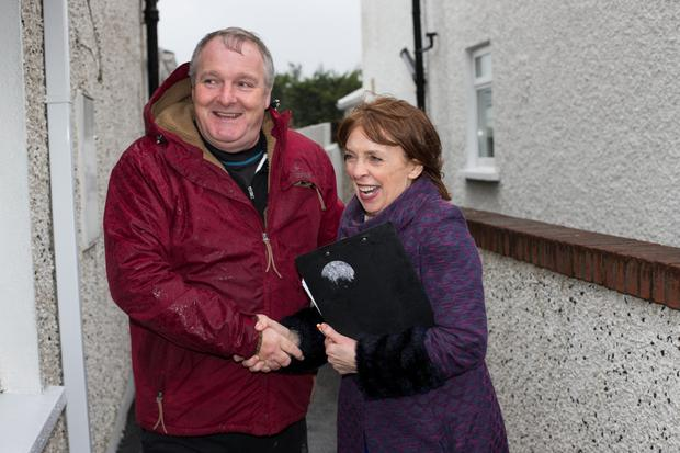 Roisin Shortall of the Social Democrats meets with Beaumont resident David Gaffney