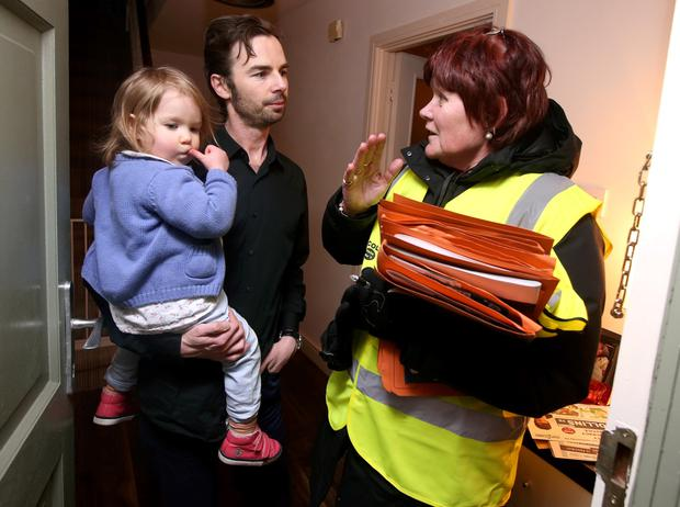 Joan Collins with Daire Cunningham and his daughter Ivy (2)