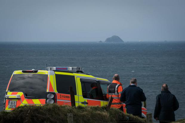 The Garda Water Unit will dive at Blackrock island to search for missing crewmen