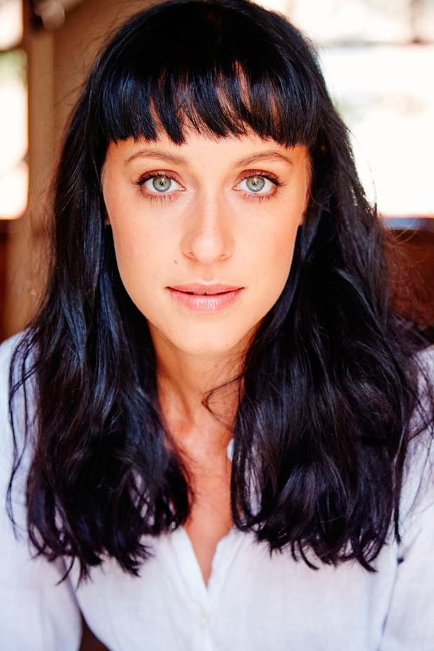 Jessica Falkholt is slaying the bangs hair fashion