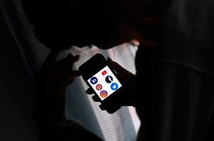 Social media can 'overload'. Photo: AFP via Getty Images