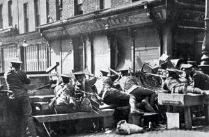 British soldiers at the junction of Moore Street and Parnell Street
