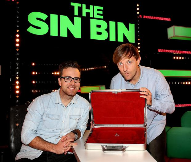 ëOff The Ballí presenter Joe Molloy and Top comedian Andrew Maxwell pictured on the set of TV3ís new rugby entertainment show ëThe Sin Biní.