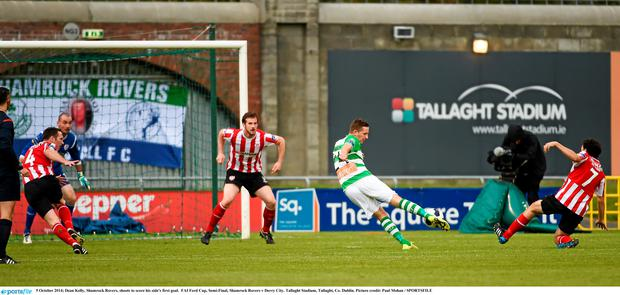 5 October 2014; Dean Kelly, Shamrock Rovers, shoots to score his side's first goal. FAI Ford Cup, Semi-Final, Shamrock Rovers v Derry City. Tallaght Stadium, Tallaght, Co. Dublin. Picture credit: Paul Mohan / SPORTSFILE