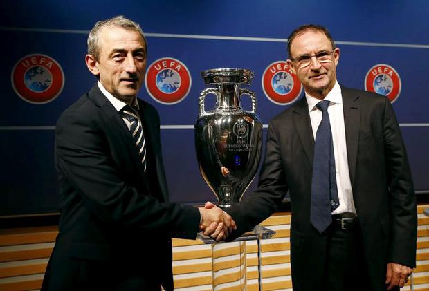 Bosnia manager Mehmed Bazdarevic with Ireland boss Martin O'Neill after the Euro 2016 play-off draw