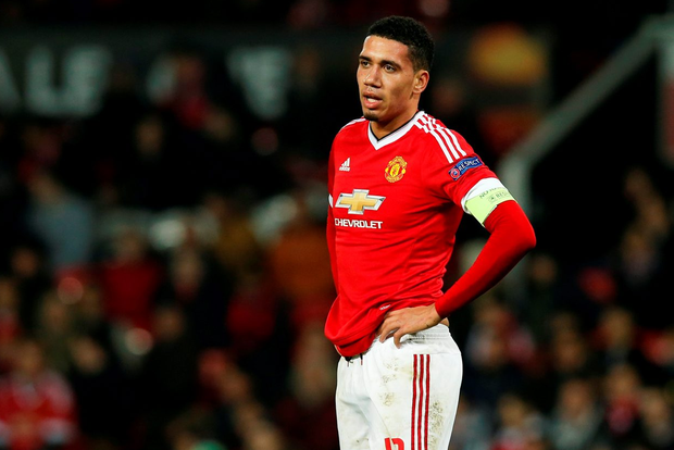 Chris Smalling cuts a frustrated figure at the end of the game Photo: Reuters / Andrew Yates